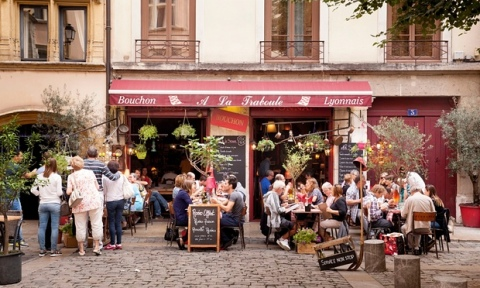A typical traditional Bouchon-style Lyonnais restaurant in Vieux Lyon
